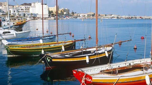 Sailing boast in Pantelleria Harbor PUBLICATIONxINxGERxSUIxAUTxONLY ZUMA
