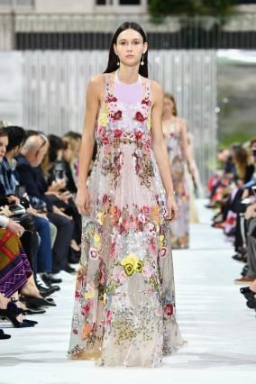 Valentino : Runway - Paris Fashion Week Womenswear Spring/Summer 2018