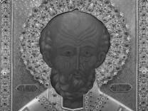 Hl Nikolaus von Myra Ikone von 1327 Basilika San Nicola Bari Apulien Italien Europa ibldwb03
