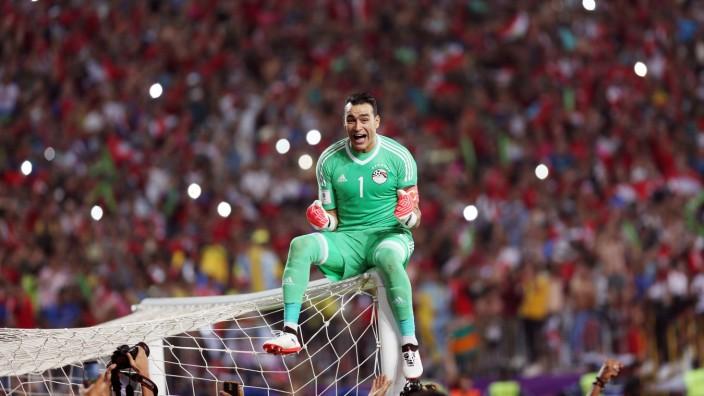 171009 ALEXANDRIA Oct 9 2017 Essam El Hadary of Egypt celebrates after winning the 2018 F