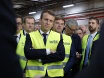 Emmanuel Macron besucht Fabrik