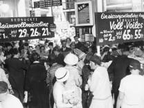 Saisonausverkauf, 1932