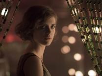 Babylon Berlin - Liv Lisa Fries spielt die Stenotypistin Charlotte Ritter
