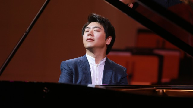 TIANJIN CHINA JANUARY 06 Pianist Lang Lang performs during his New Year s concert at Tianjin Co