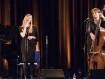 Pullach, Bürgerhaus, Jazz-Konzert 'Drei Damen',