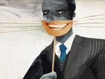 GeschâÄ°ftsmann hinter einer grinsenden Katzenmaske PUBLICATIONxINxGERxSUIxAUTxONLY Copyright xJonath