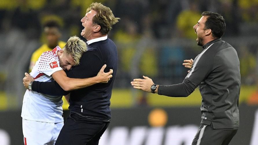 official photos 80a50 64783 Als Borussia Dortmund zum vorerst letzten Mal ein Bundesliga-Heimspiel  verlor, übte Mats Hummels das Amt des Innenverteidigers beim BVB aus, Kevin  Kampl ...