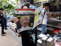 Daily Life in Tehran a day after Trump speech, Iran (Islamic Republic Of) - 14 Oct 2017
