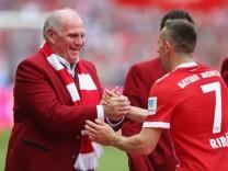 Bayern Muenchen v SC Freiburg - Bundesliga; Hoeneß Ribéry
