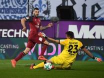 Bilder des Tages SPORT 16 10 2017 xtvx Fussball 2 Bundesliga SV Darmstadt 98 1 FC Nuernberg