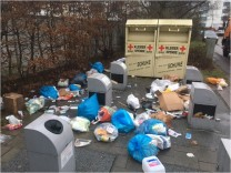 Vaterstetten, Wertstoffinsel Rossinistraße, Rossinistrasse, Wertstoff, Wertstoffe, Sammelstelle, Müll, Vermüllung