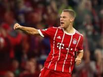 Joshua Kimmich vom FC Bayern Muenchen gegen Celtic Glasgow: Der Nationalspieler hat seinen Vertrag bis 2023 verlängert.