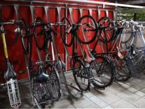Geparkte Fahrräder in München, 2013