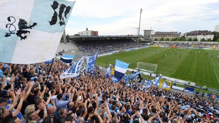 TSV 1860 München - Westkurve im Grünwalder Stadion