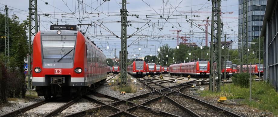 Das S-Bahndepot in München-Steinhausen.
