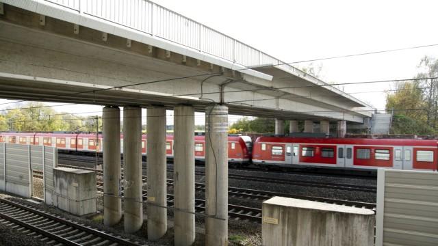 Gernlinden: Sanierungsbedürftige Auto-Brücke
