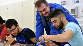 'DB Check-Up für Flüchtlinge'
