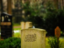 Muslimische Grabanlage auf dem Waldfriedhof in München, 2014