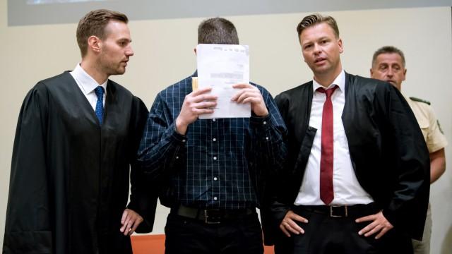 Waffenhändler vor Gericht