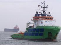 "Bergung des Frachters ´Glory Amsterdam"""