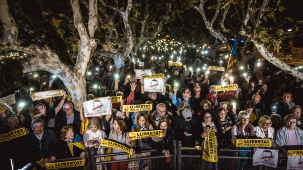 November 2 2017 Barcelona Catalonia Spain Catalan separatists light candles as they protest i