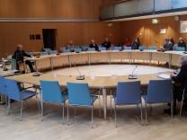 Stadtrat Starnberg Sondersitzung 3.11.17 mit Bürgermeisterin Eva John und nur sechs Stadträten