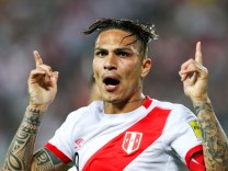 FILE PHOTO Football Soccer - World Cup 2018 Qualifier - Argentina v Peru