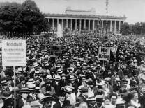 Anti-Kriegsdemonstration in Berlin, 1921