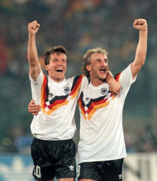 Neues Trikot der DFB Elf Bereits beim WM Sieg 1990 trugen