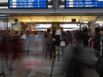DB-Informationsschalter am Münchner Hauptbahnhof, 2017