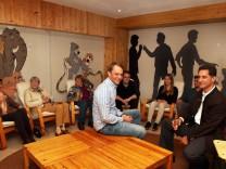 Kolpingfamilie weiht Räume ein; Kolpingfamilie Feldafing feiert: