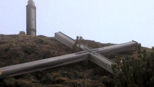 Gipfelkreuz am Kotzen abgesägt