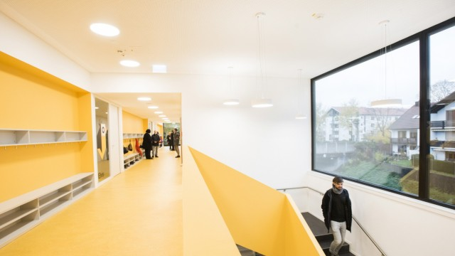Unterhaching, Einweihung des Erweiterungsbaus der Grundschule an der Jahnstraße,