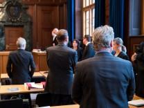 Prozess gegen sechs LKA-Beamte