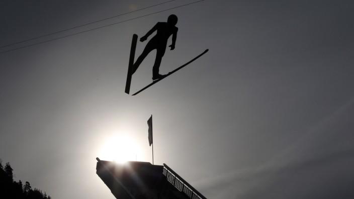 DSV-Skispringer trainieren