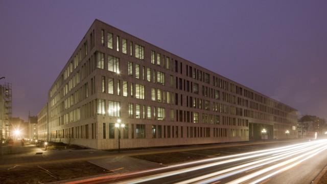 DATEV IT-Campus in Nürnberg , Fürther Straße / Nachtaufnahme; Datev Campus
