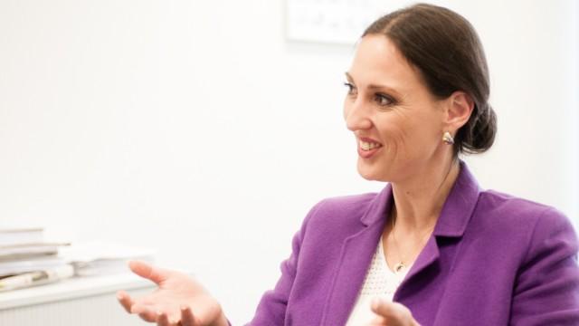 Valerie Holsboer