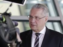 Bayerns Innenminister Joachim Herrmann CSU Deutschland Berlin CDU CSU FDP und Bündnis 90 Die