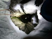 Deutscher Bergsteiger aus Felsspalte Gerettet