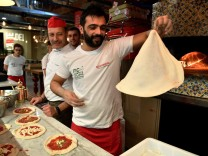 Pizzabäcker Eataly World Bologna Italien