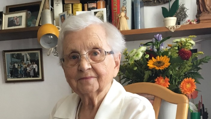 Erzählcafe mit Elisabeth Kowoll