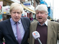 30 04 2015 United Kingdom Boris Johnson campaigning for Matthew Offord The Major of London Bo