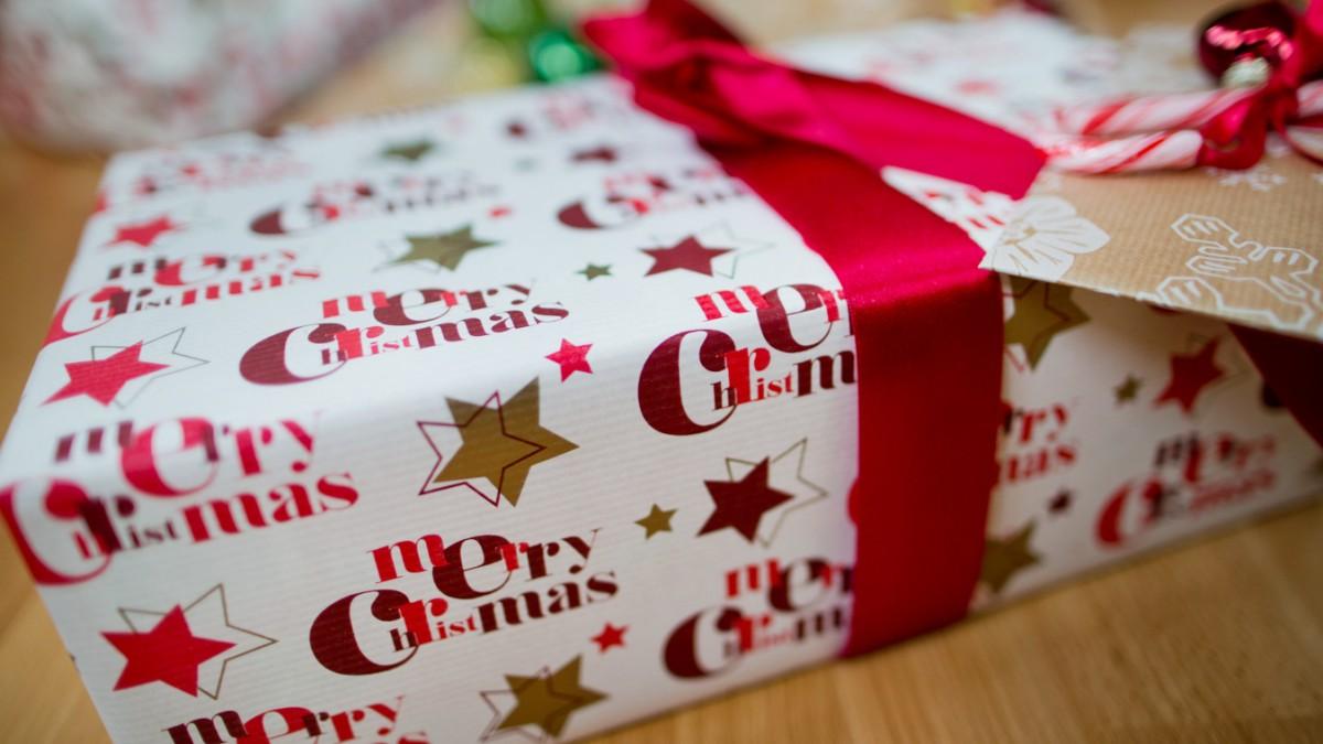 Für bedürftige Kinder im Landkreis - Kleine Geschenke, große Freude ...