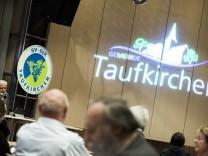 Taufkirchen,Taufkirchen, Ritter-Hilprand-Hof: Versammlung SV-DJK,