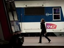 FRANCE-STRIKE-RAIL-TRAVEL