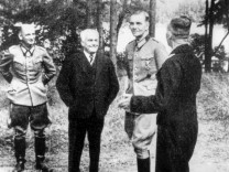 Wilhelm Pieck mit Friedrich Paulus