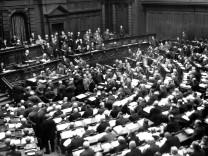 Reichstag bei der Verabschiedung des Youngplans, 1930