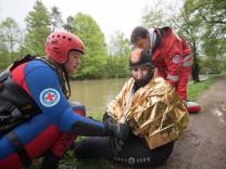 Rettungsübung der Wasserwacht in München, 2015