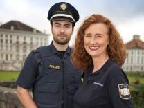 Andrea Burkhardt, Sicherheitswacht Neuhausen, ziert die Sicherheitswacht-Infobroschüre des bayr. Innenministeriums