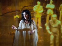 "Theater Mülheim an der Ruhr: ""Am Königsweg # Ubu"" - Jelinesks Trump-Stück, verschnitten mit Alfred Jarry, Regie Philipp Preuss"